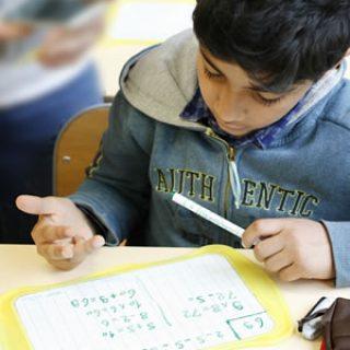 élève calculant